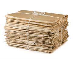 Piegare, imballare ed esporre i cartoni davanti al proprio esercizio commerciale, in maniera ordinata